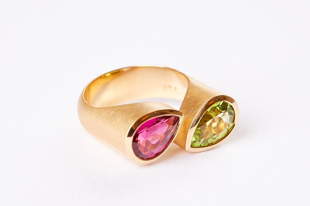 Ring-zwei-Steine