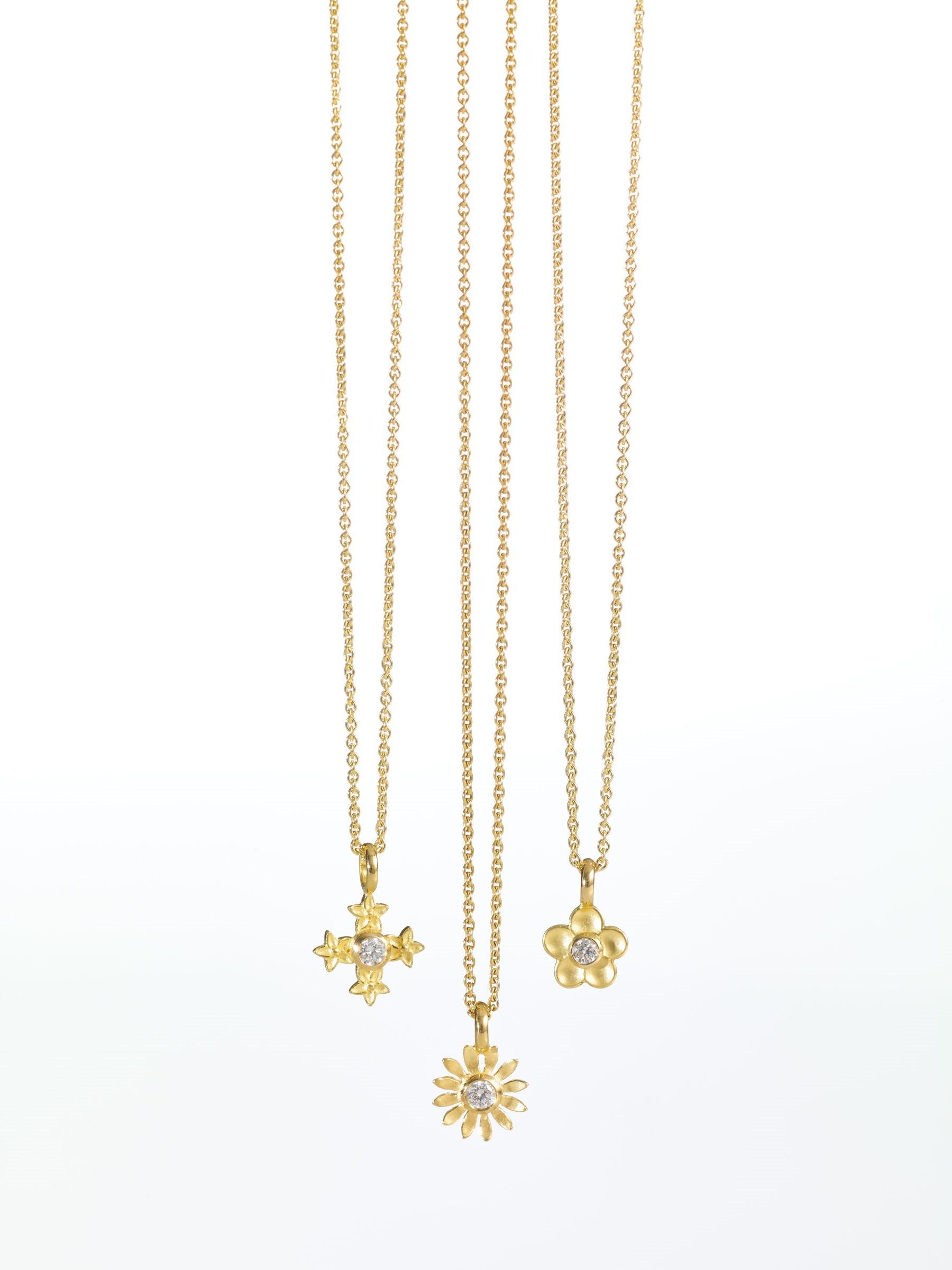 Anhänger-Kreuz-Blume-Gelbgold-Katinka-Neuner