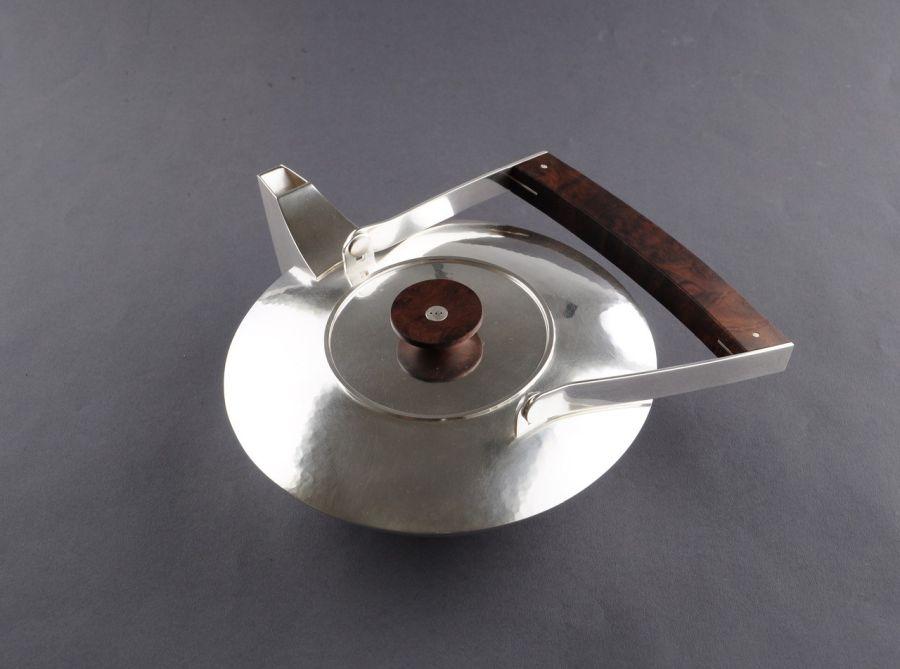 Teekanne-Silber-Holz