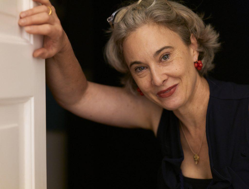 Brigitte Scheytt, Ohrringe und Anhänger von Catherine Martin